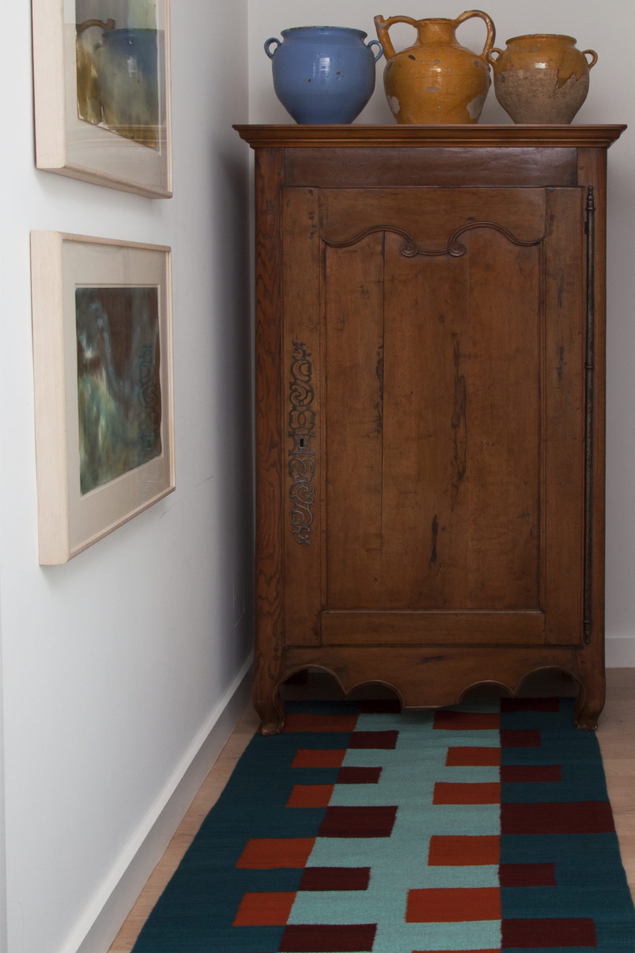 **EH-4.ARMOIRE